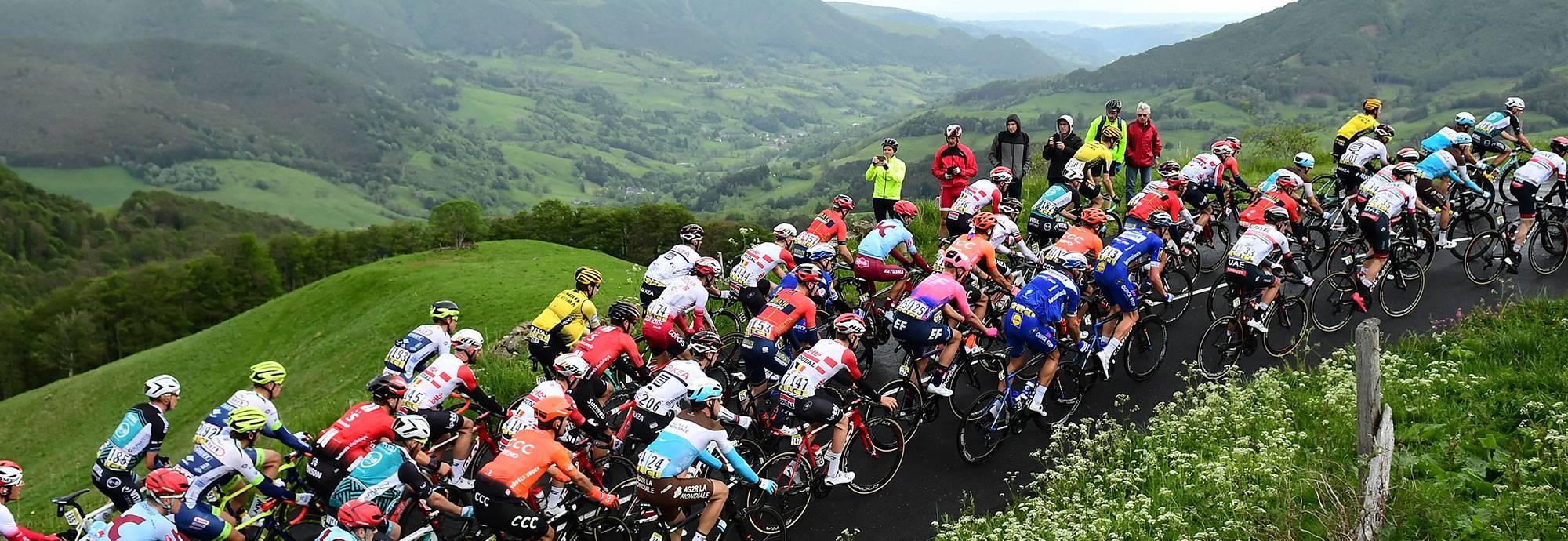 Header: AG2R La Mondiale