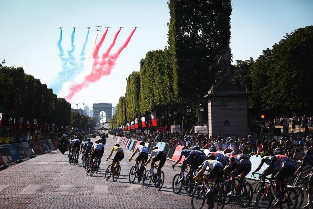 18/07/2021 – Tour de France 2021 – Etape 21 – Chatou / Paris Champs Elysees (108,4 km) - Patrouille de France