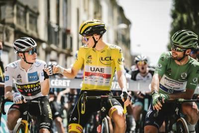 11/07/2021 – Tour de France 2021 – Etape 15 – Céret / Andorre-La-Vieille (191,3 km) - J.Vingegaard (TJV), T.Pogacar (UAE) et M.Cavendish (DQT)